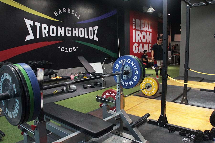 Strongholdz Barbell Club