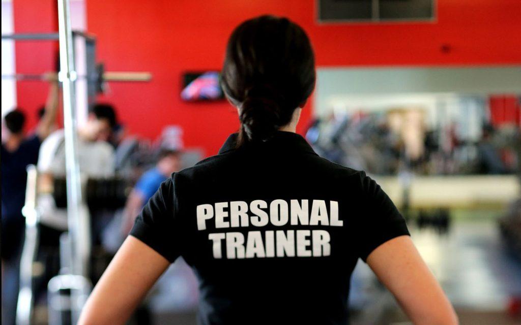 Pelatih gym